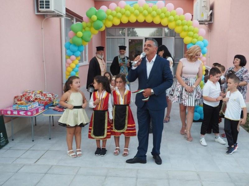 Честито! Детската градина в село Строево се сдоби с великолепна нова сграда