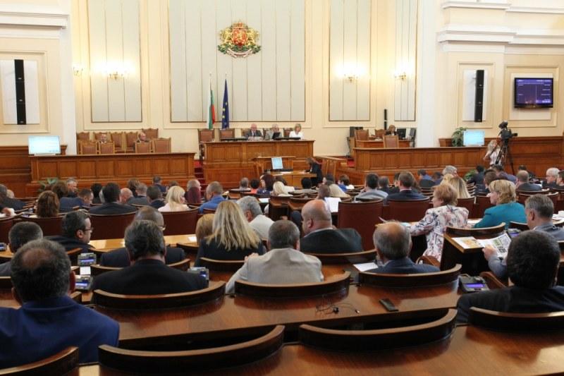 Парламентът реши: Кметовете не са длъжни да имат приемни дни за граждани