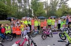 """Десетки деца, учители и родители яхнаха велосипеди и тротинетки в """"Западен"""""""