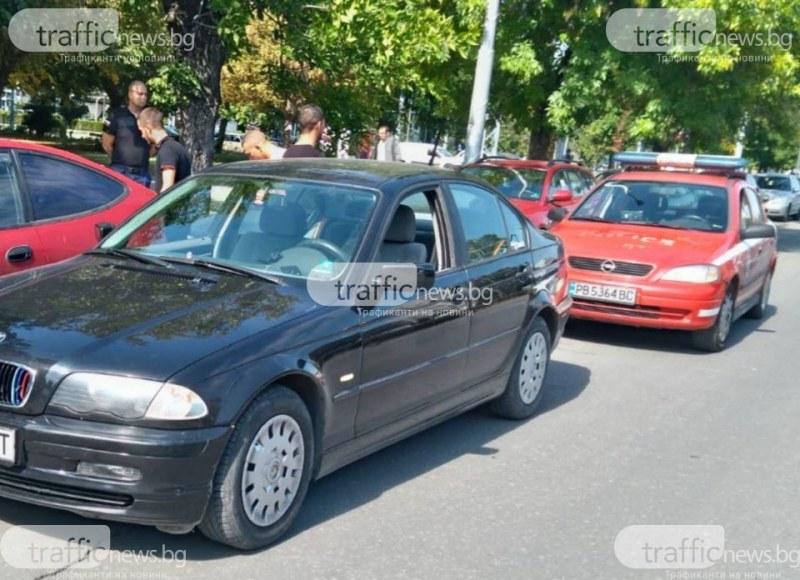 Дрифтър от Крислово пили гуми на кръстовище в Пловдив, спиипаха го