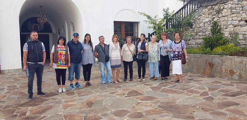 Кандидатът за кмет на Куклен Елена Филева поздрави миряни за празника Покров Богородичен