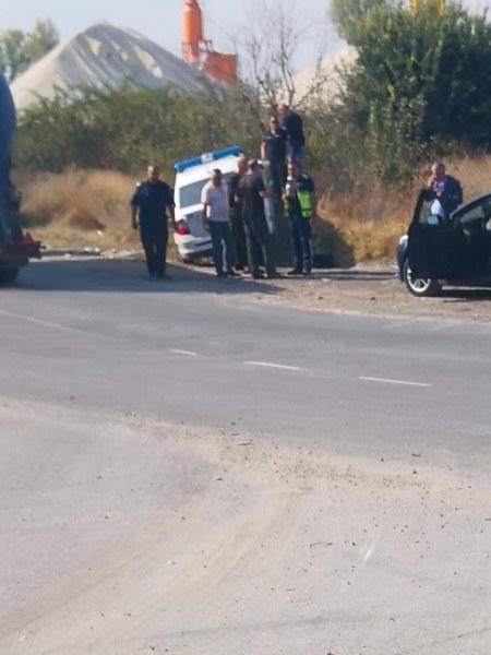 Полицейска патрулка претърпя инцидент на Околовръстното на Асеновград