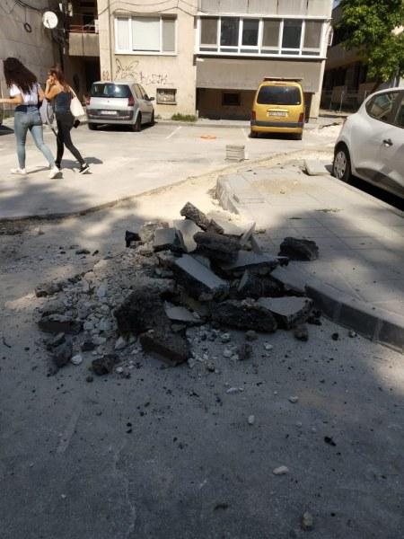 Опасна шахта застрашава минувачите в центъра на Пловдив