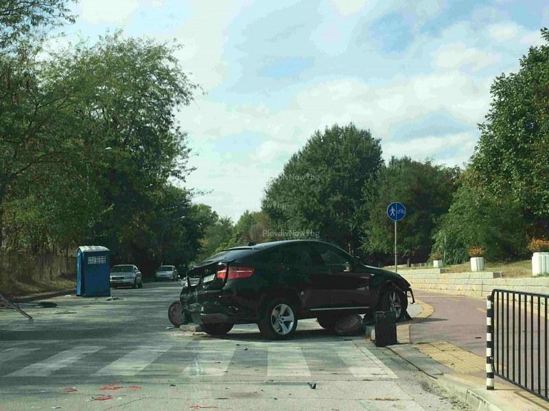 Камион удари джип край Гребната, на шофьора му прилошало