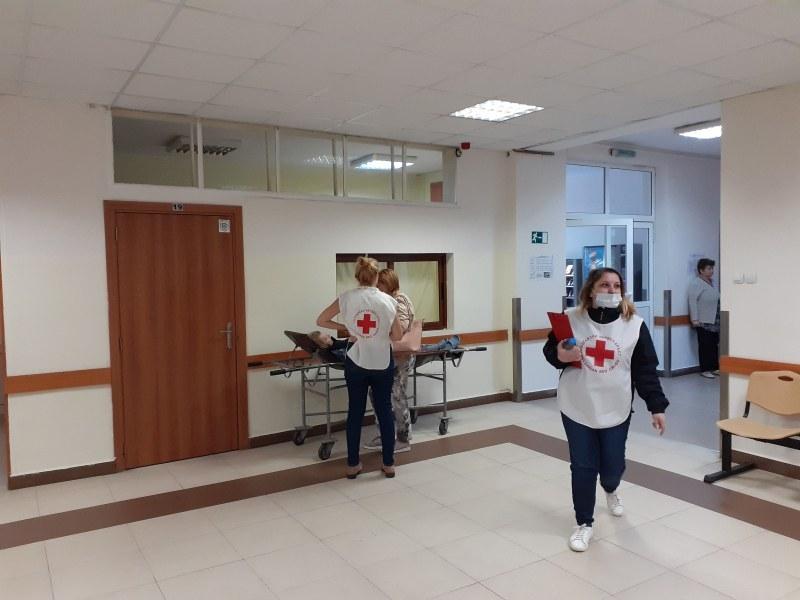 Над 100 пациенти в пловдивска болница получават помощ от доброволците на БЧК всеки месец