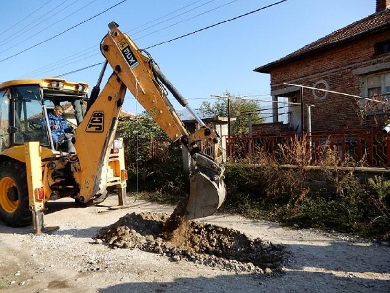 Първа копка даде старт на ремонт на водопровода в карловското село Каравелово