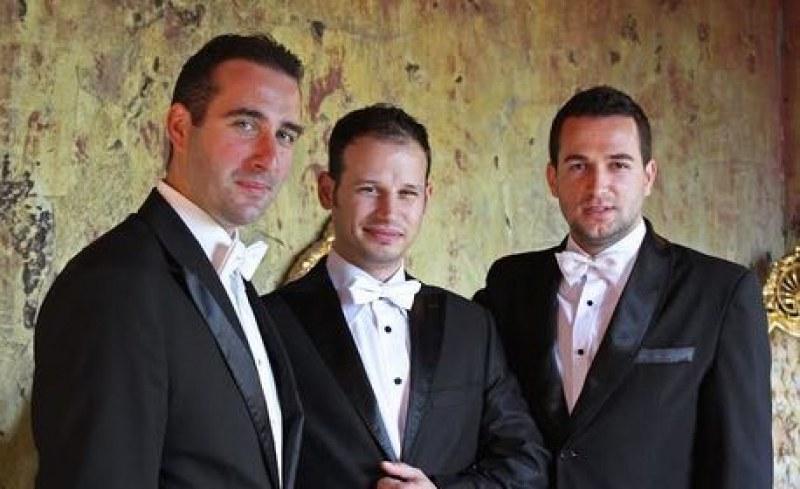 Карлово празнува Деня на будителите с трио Тенорите и страхотен концерт