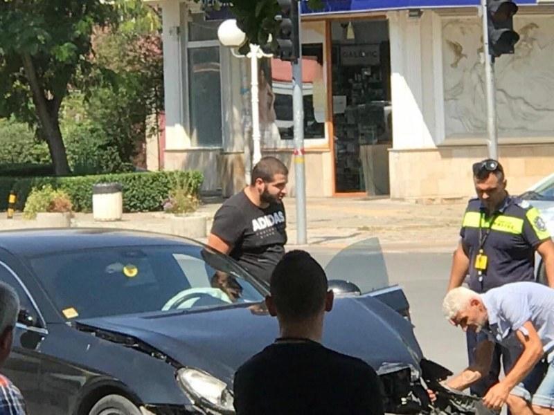 Удариха групата на Елвиса, 7 в ареста след удар на полицията срещу тютюневата мафия в Пловдивско