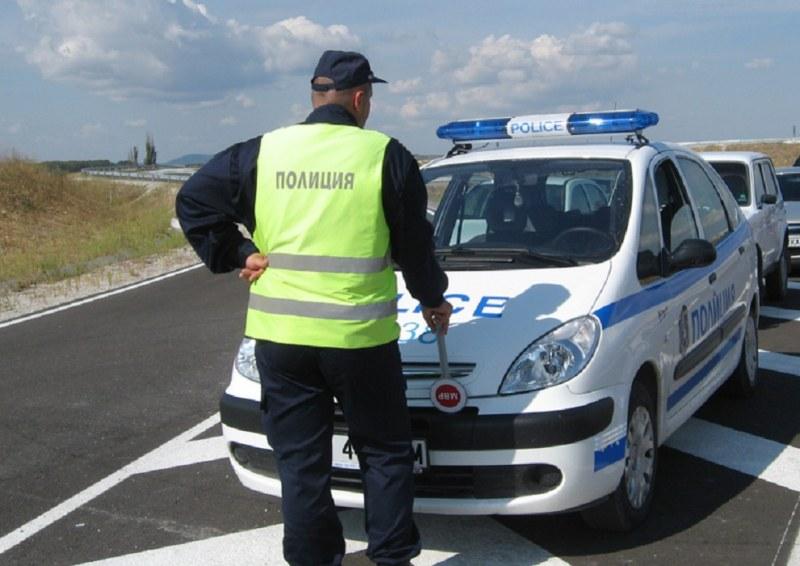 Закопчаха друсани шофьори в Първомай и Пловдив, в Карловско хванаха пиян зад волана