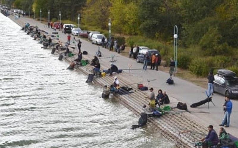 Разрешават свободния риболов на Гребната база