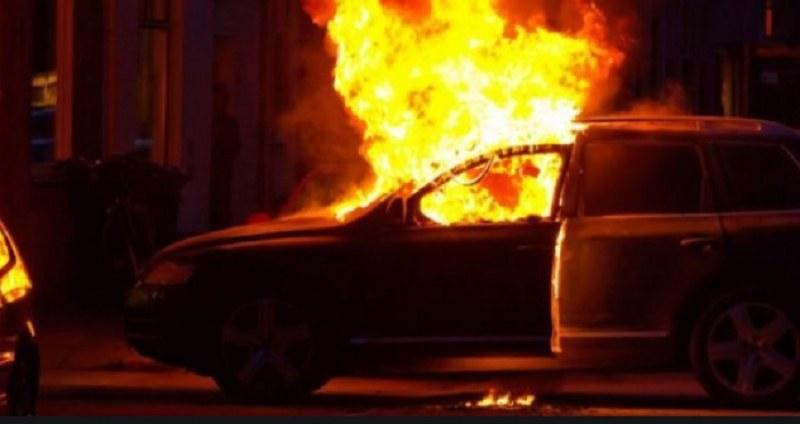 Автомобили горяха тази нощ в Пловдив