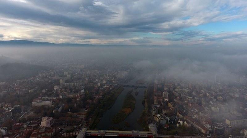 Започна се! Въздухът в Пловдив е опасно мръсен – градът светна в червено