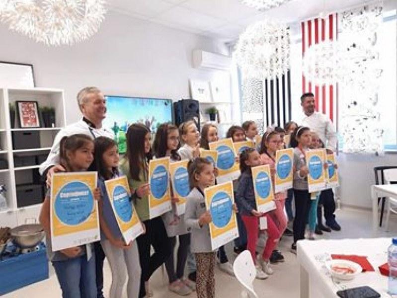 Четвъртокласничка от Белозем беше избрана с жребий за Международния ден на готвача