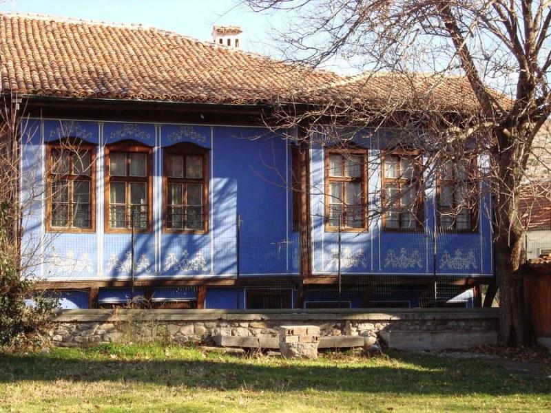Етнографска къща - Асеновград празнува 30-годишен юбилей с весело тържество, нова фасада и куп изненади
