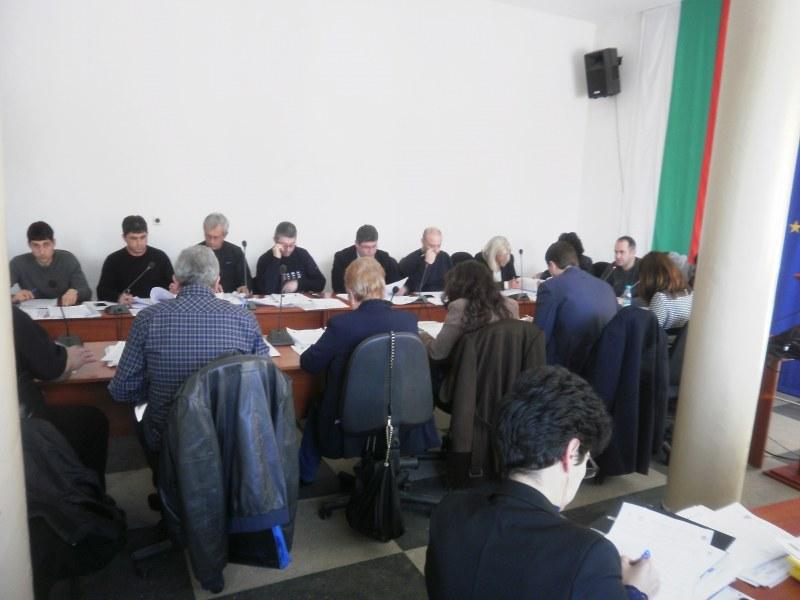 Насрочени са първите сесии на Общинските съвети в Хисаря, Раковски и Калояново