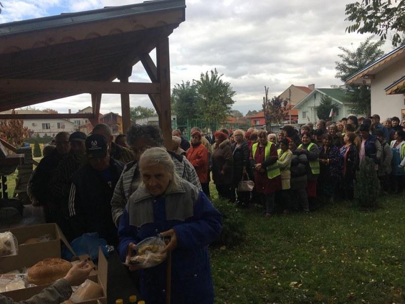 Рибен курбан зарадва миряните в Стамболийски на Архангеловден