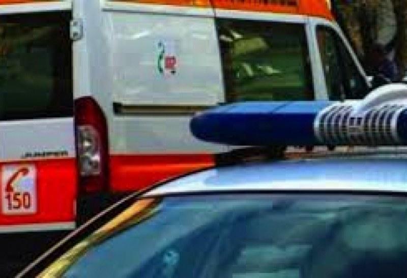 Такси удари пешеходка в Пловдив, друга кола се заби в мантинела