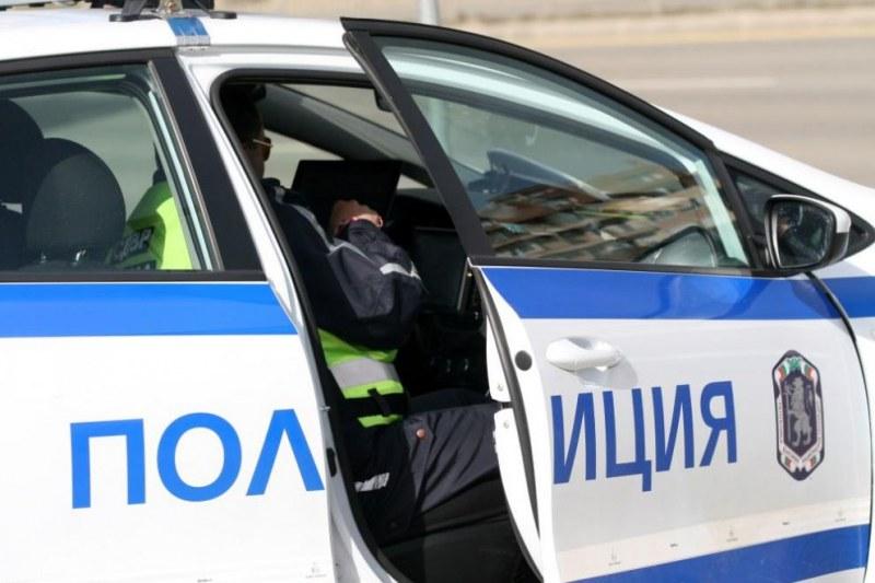 Спипаха друсан шофьор в Калояново, щракнаха му белезниците