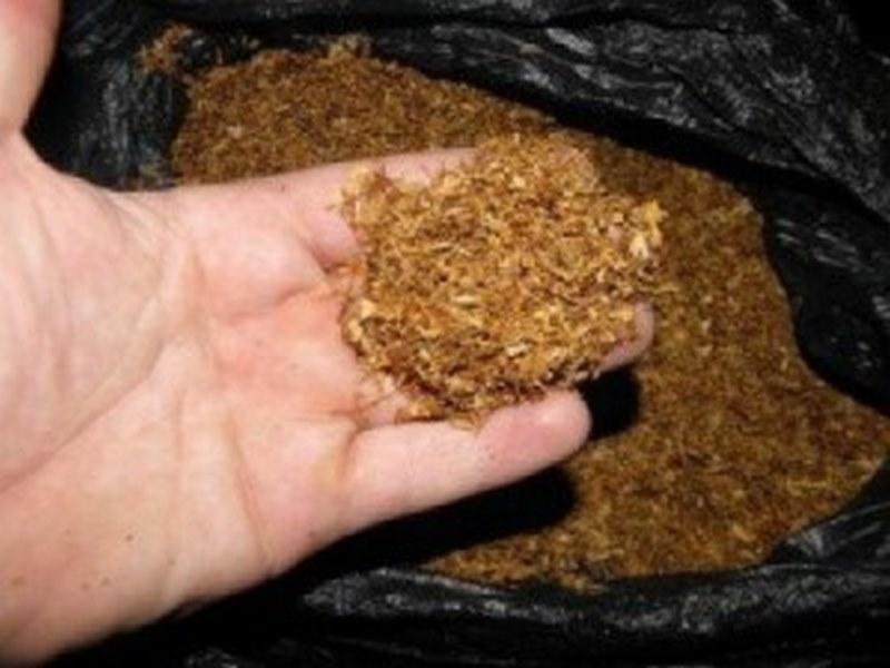Млада жена отиде в ареста, откриха нелегален тютюн в дома й край Калояново