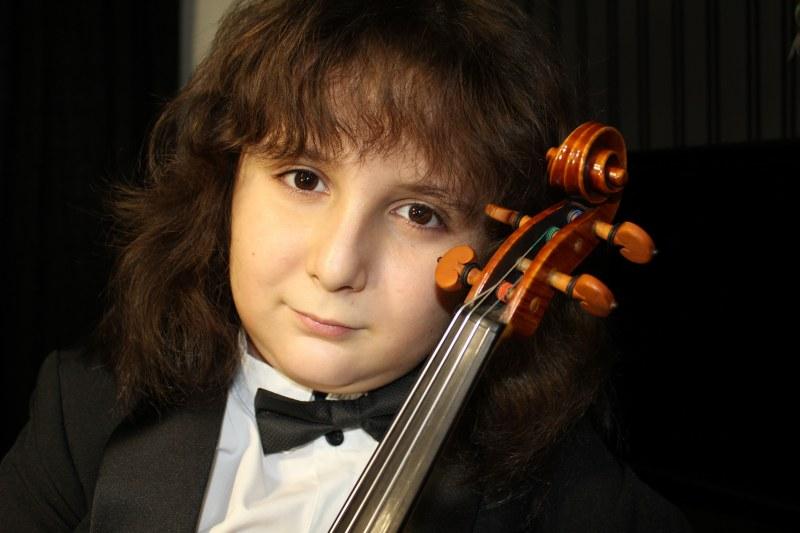 12-годишният талант Ренцо ще свири благотворително за нова детска онкохематология в Пловдив