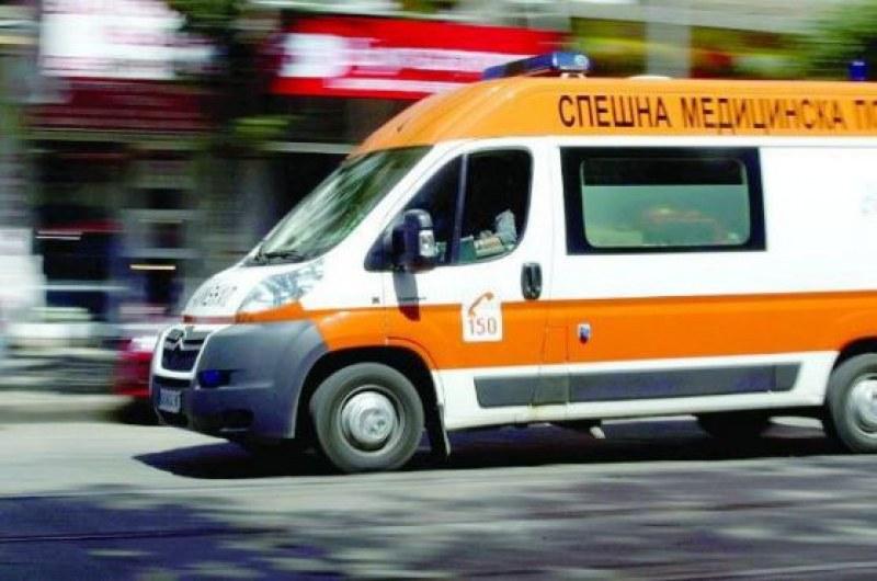 Шофьор помете 90-годишна баба в Перущица, жената е починала в пловдивска болница