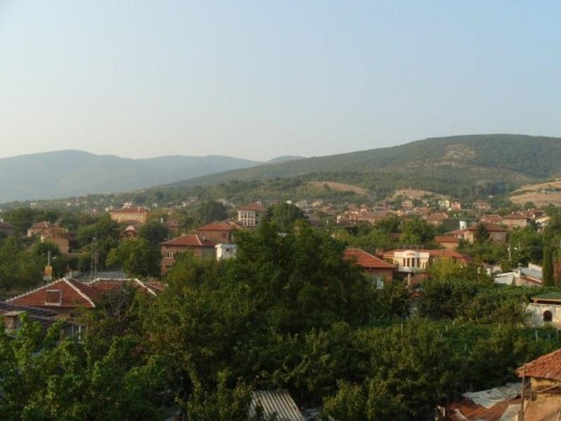 Ще остане ли пловдивско село на режим на тока до 31 декември? Майки с деца в патова ситуация