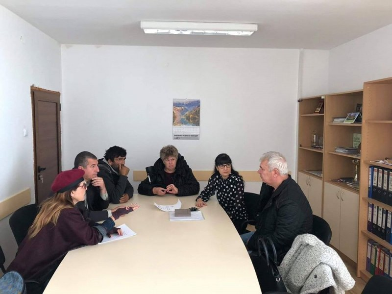 Депутатът Данка Люртова направи първата си приемна за хората от Карловско