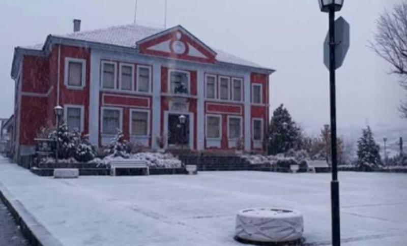 Зимна приказка! Клисура и Калофер побеляха от сняг.