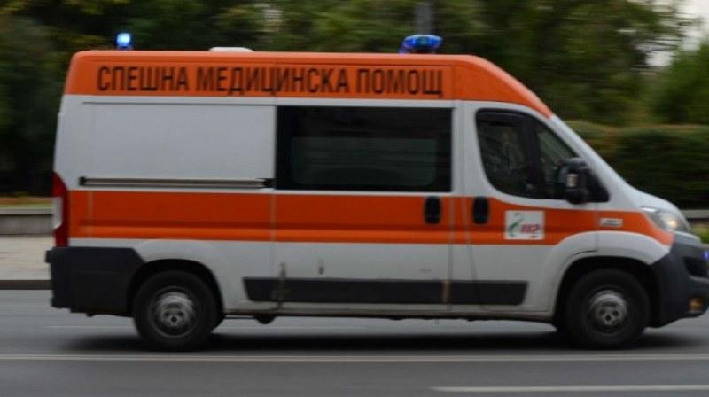 Възрастна жена пострада при катастрофа в Първомай, пресичала неправилно