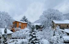 Село Гълъбово се топли под снежна пелена, зимата се настани там СНИМКИ