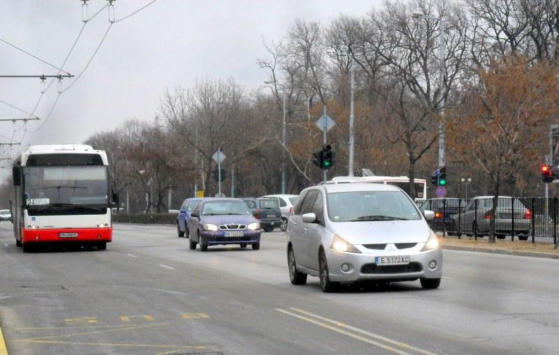 Ограничават движението по пловдивски булевард заради ремонт на водопровод