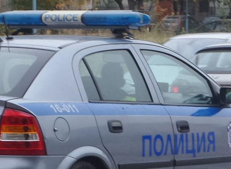 Две коли самокатастрофираха в Карловско, закопчаха и почерпени шофьори