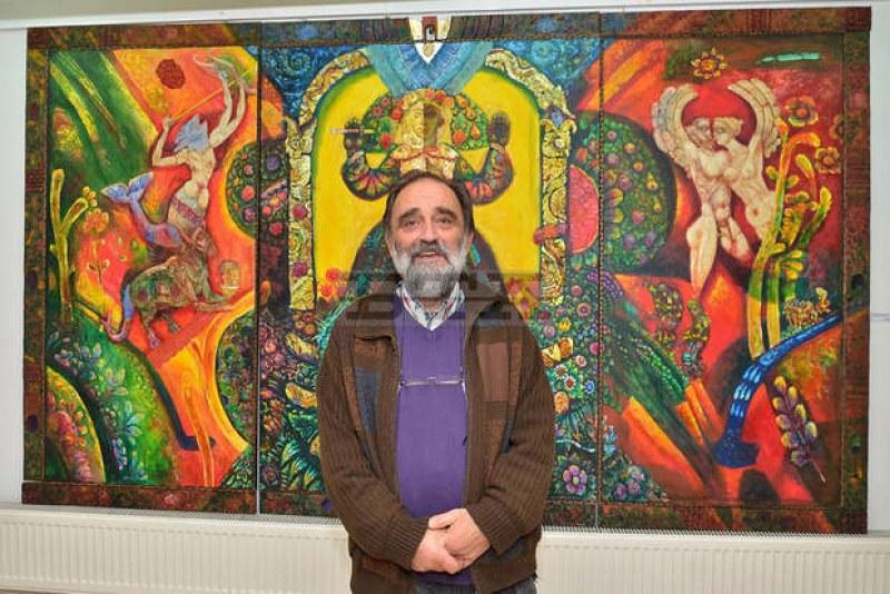 Вълчан Петров открива днес изложба в родния си град Хисаря
