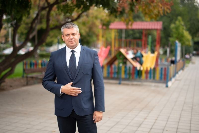 Стоян Алексиев: Детски кътове и паркингите са ми приоритет, Рогошко шосе също е на дневен ред