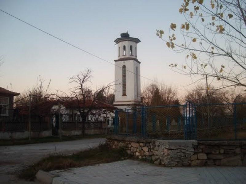 Търсят фирма, която да ремонтира път-убиец край Садово