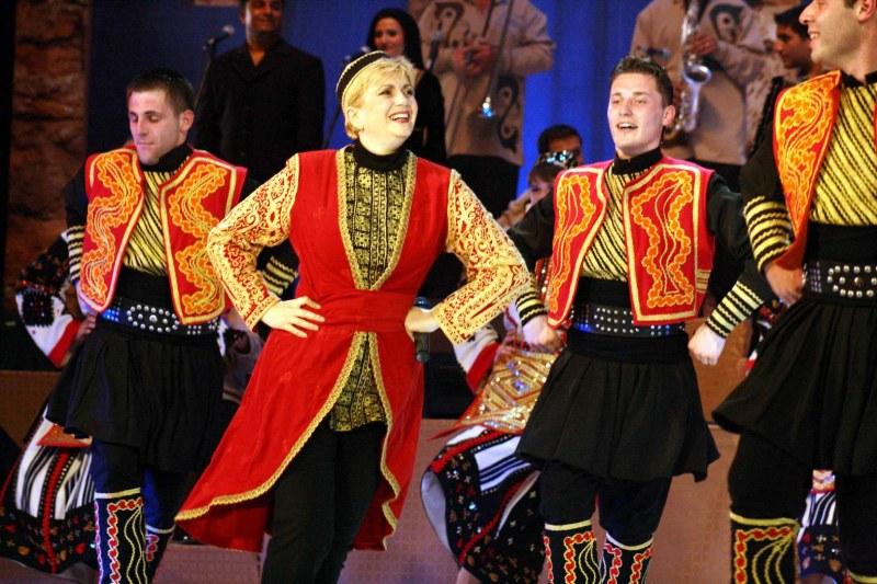 Невероятната Николина Чакърдъкова идва в Перущица за грандиозен концерт