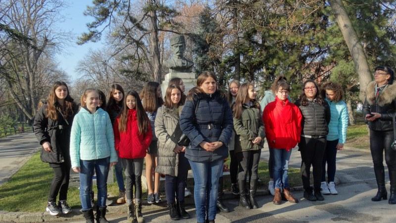175 години от рождението на революционера Васил Петлешков! Деца от Пловдив го почетоха