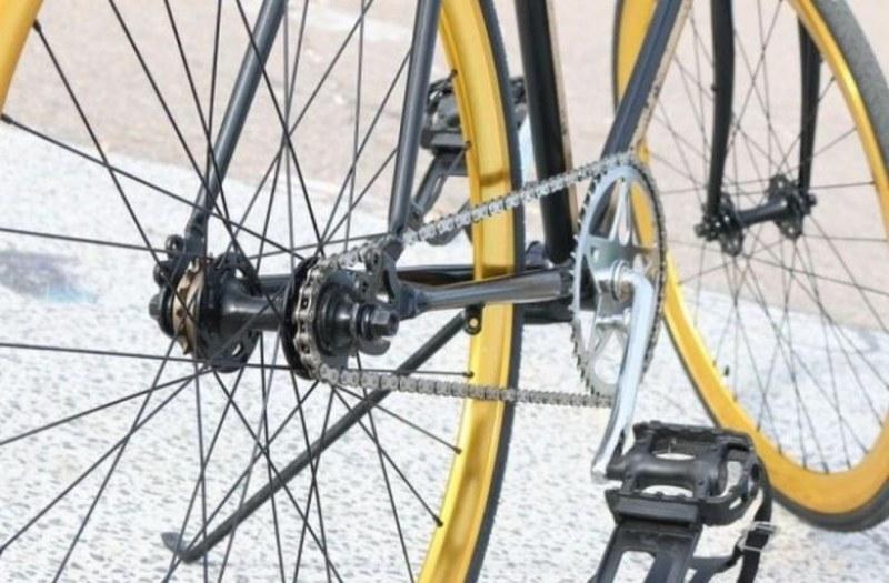 Апаши задигнаха колелото на 80-годишен дядо край Садово, хванаха ги