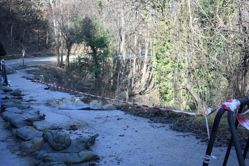 Направиха сондажите на свлачището край Асенова крепост, слагат светофари
