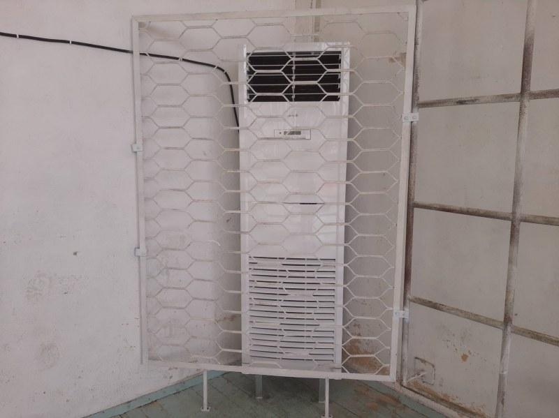 Спортната зала в Стамболийски с нов климатик - дарение от местна фирма