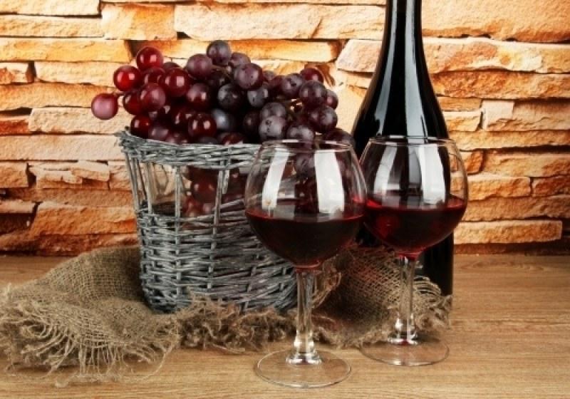 Майстори на виното в Куклен се състезават кой е направил най-добрия еликсир