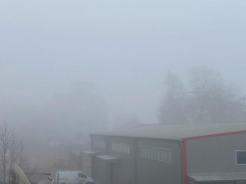 Мъгла над Пловдив, опасност от падащи камъни край Бачково, Стамболийски и Кричим
