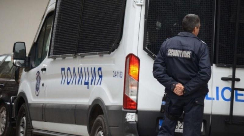 Акция на полицията в Столипиново: Откриха хероин, петима са арестувани