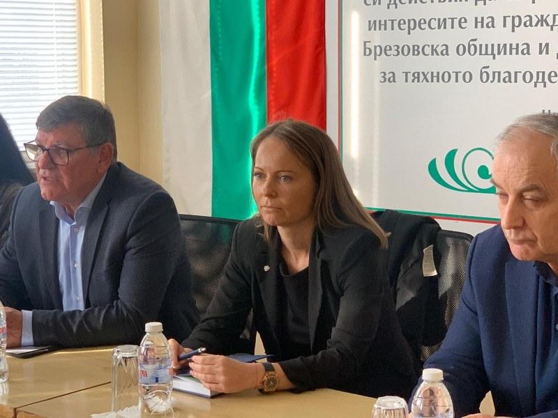 Областният управител гостува в Брезово и обсъди с кмета проблемите с  водоснабдяването на общината