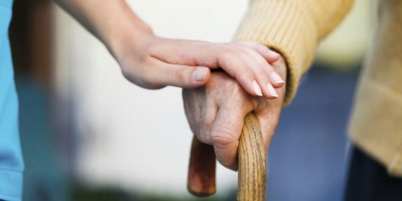 Десетки хора в Карлово получават домашна, медицинска и психологическа помощ