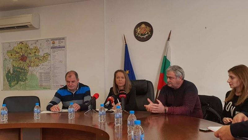 Изселват ромския катун, сеещ зарази в хранителен бизнес за милиони край Кадиево