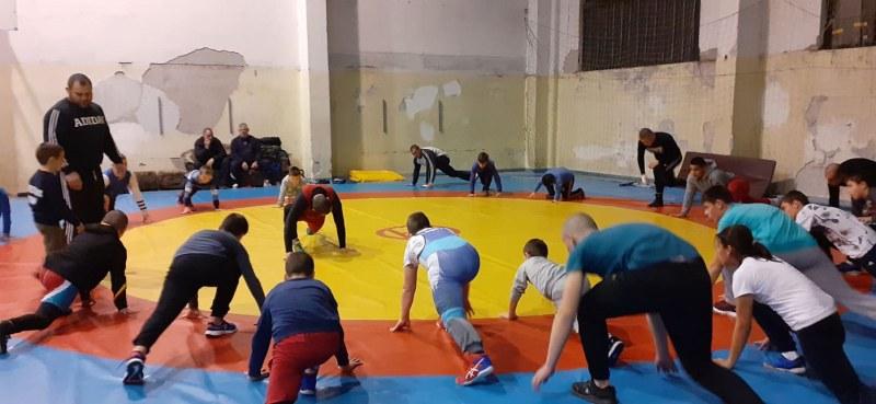 Димитър Кумчев, най-силният мъж на Асеновград, търси млади таланти в борбата