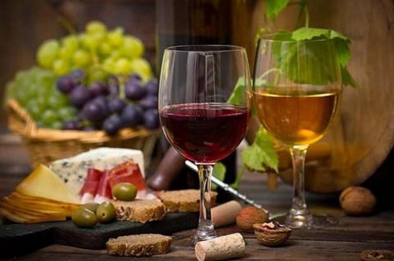 За Трифон Зарезан: Най-хубавото домашно вино търсят в Белозем