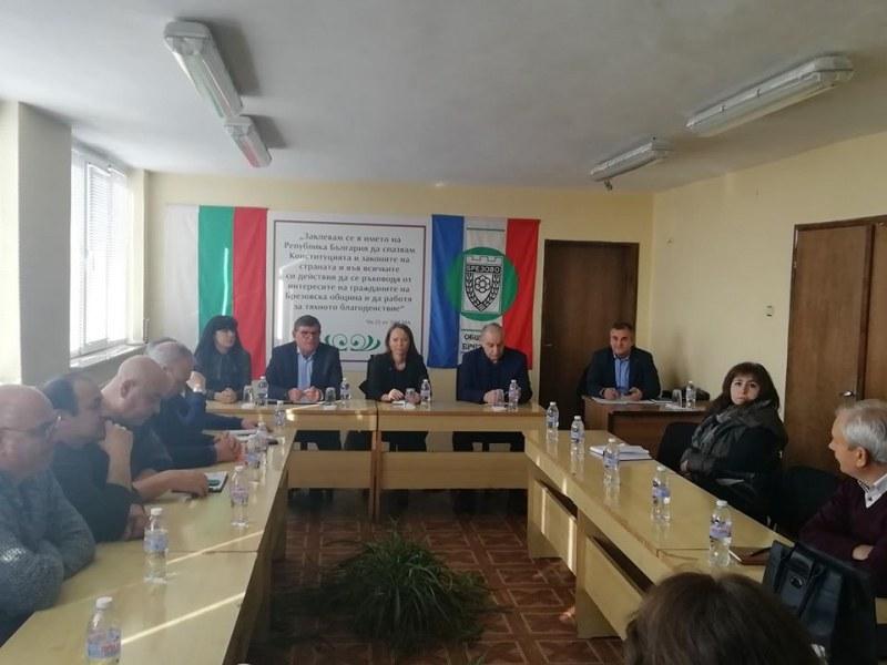 Решават се проблемите по водоснабдяването, язовирите и пътищата в Брезовско