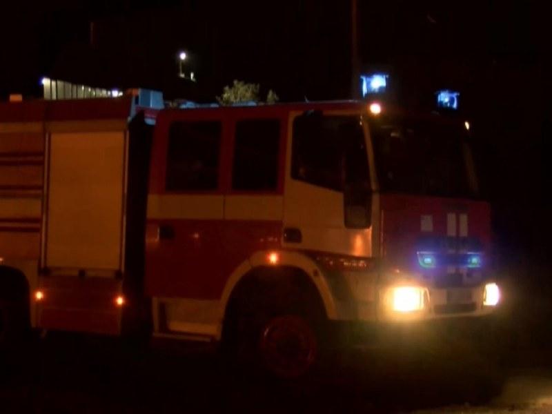 Пожар в Първомай! Два екипа огнеборци пристигнаха да гасят